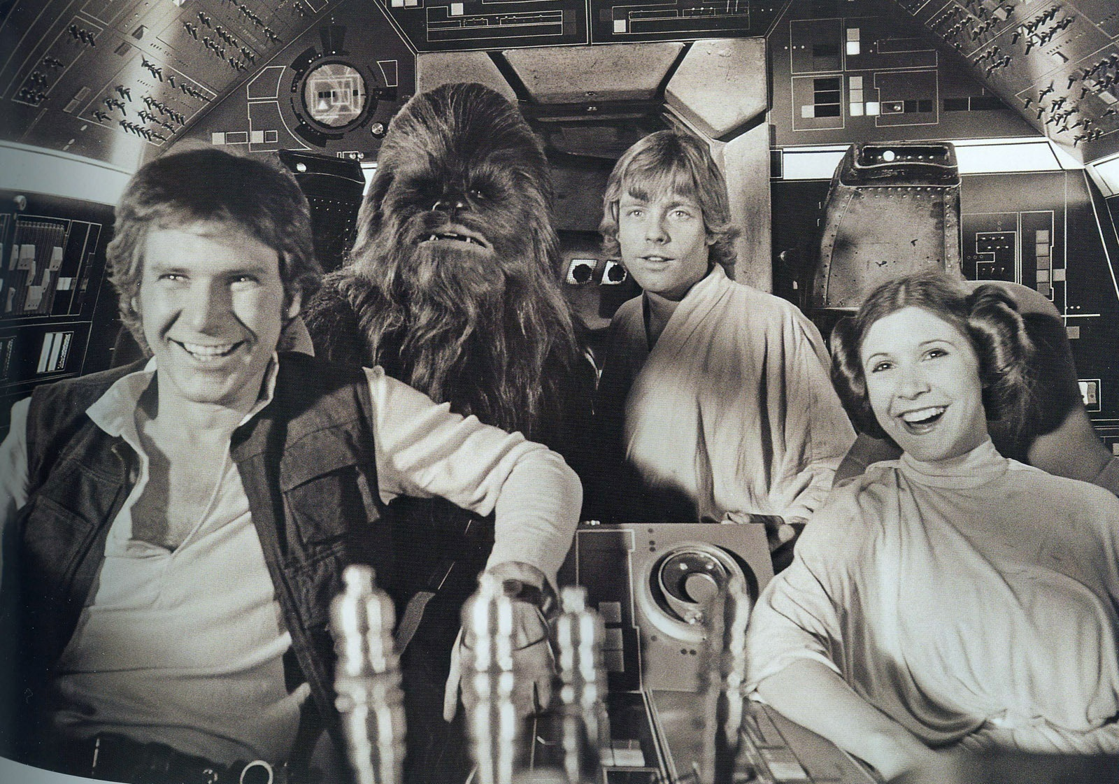 Chewie-Luke-Leia-and-Han-han-luke-and-leia-24048896-1600-1121